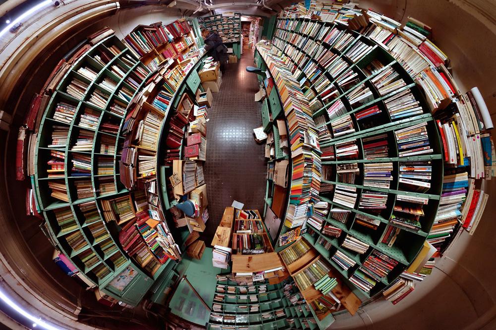 """""""La caverne aux livres"""", Alex Duret-Lutz"""