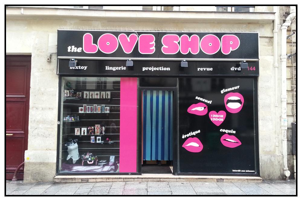 Paris-est-une-fete_sex-shop-rue-saint-denis_v03