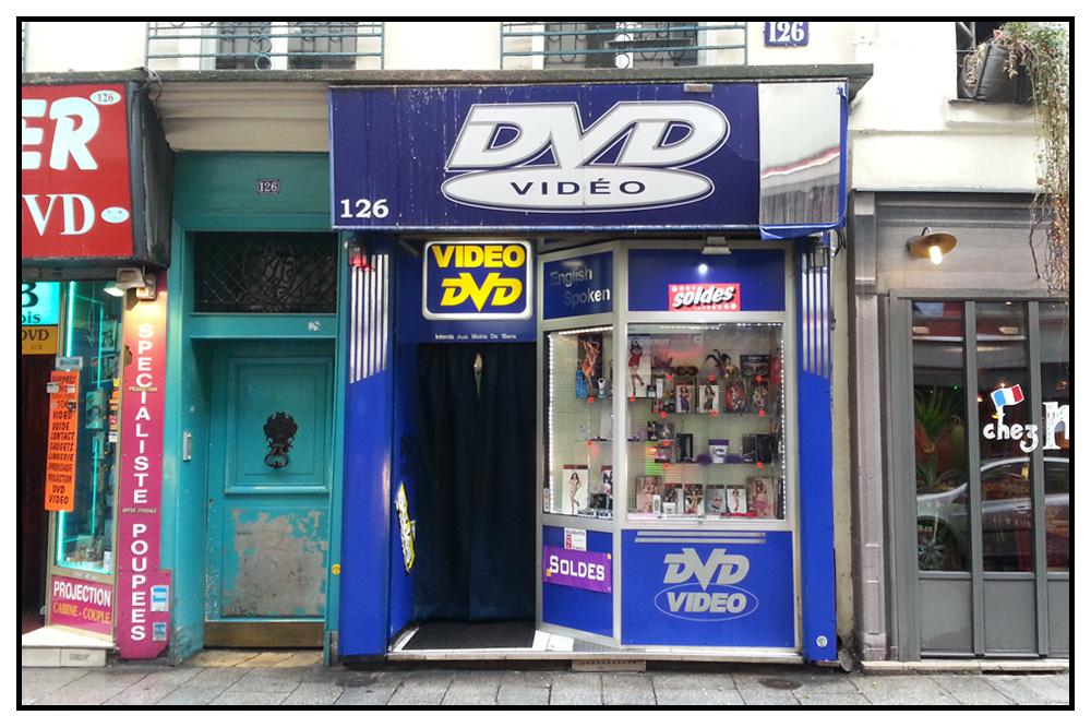 Paris-est-une-fete_sex-shop-rue-saint-denis_v06