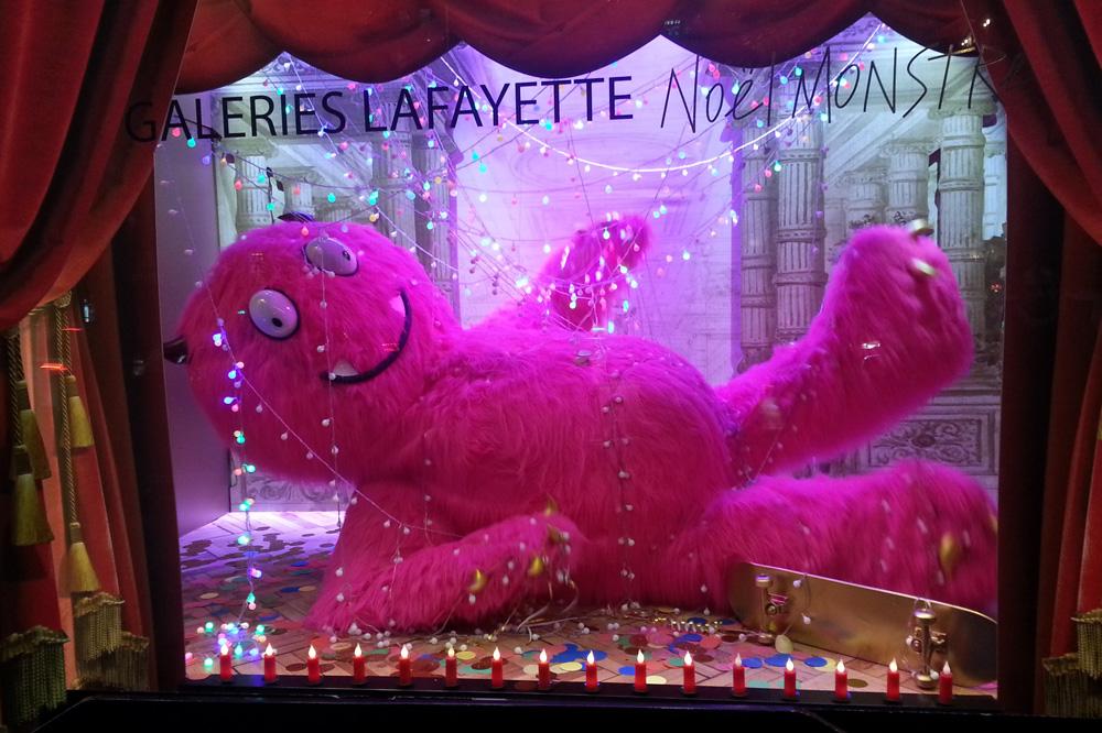 vitrines-de-noel-Paris_2014_stephane-chemin_06_galeries-lafayette