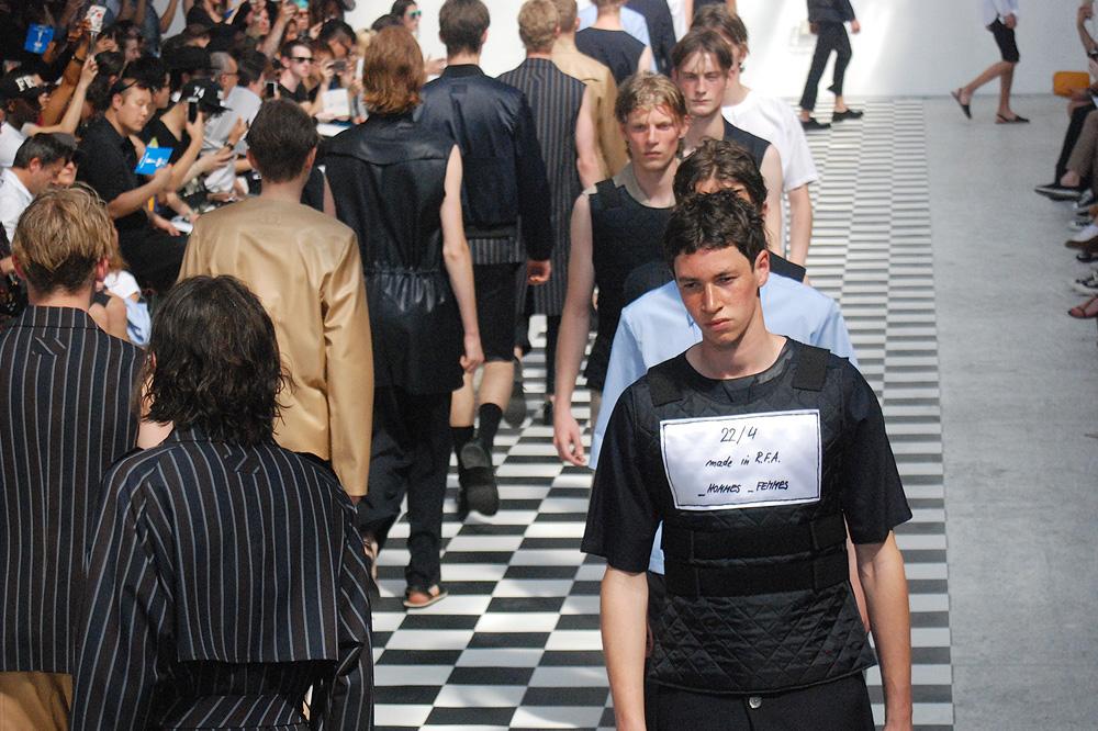 224-_hommes-_femmes_menswear-ss-16-paris-fashion-week_le-Mot-la-Chose_Stephane-Chemin-photographe-freelance_20