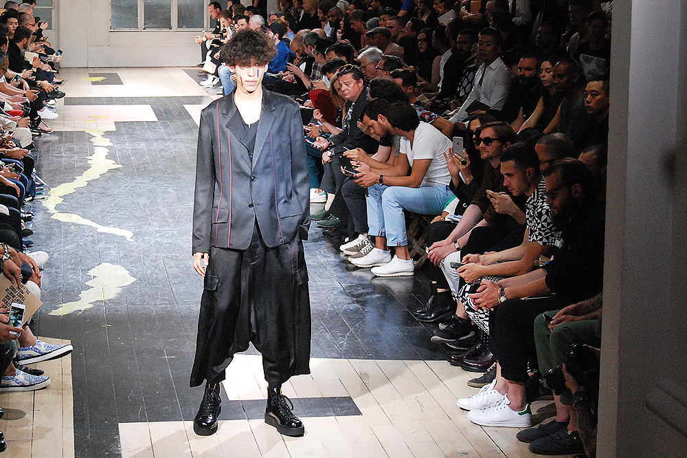 Yohji-Yamamoto_menswear-ss-16-paris-fashion-week_le-Mot-la-Chose_Stephane-Chemin-photographe-freelance_03