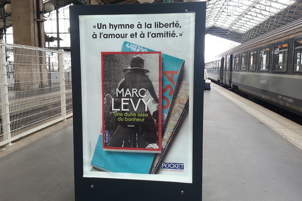 """""""Une autre idee du bonheur"""" de Marc Levy - Editions Pocket"""