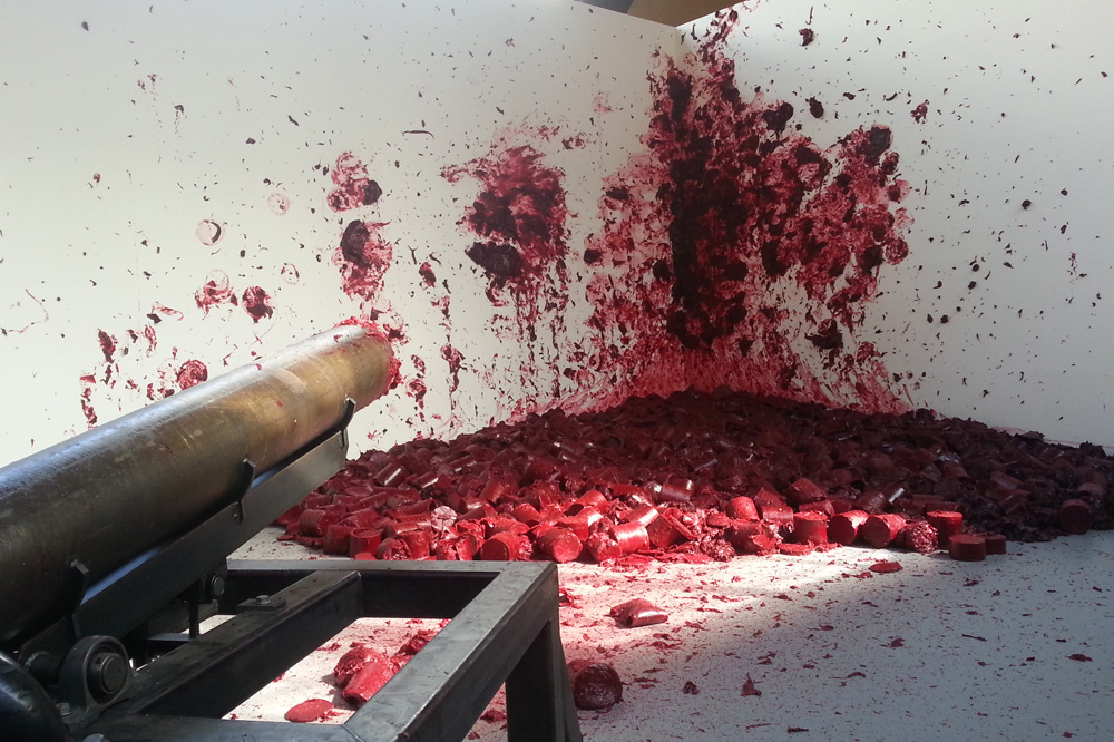 """Shooting into the Corner"" d'Anish Kapoor"