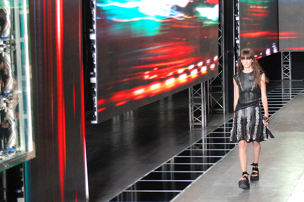 PFW-ss16_Louis-Vuitton_Le-mot-la-chose_copyright-Stephane-Chemin-photographe-freelance_04