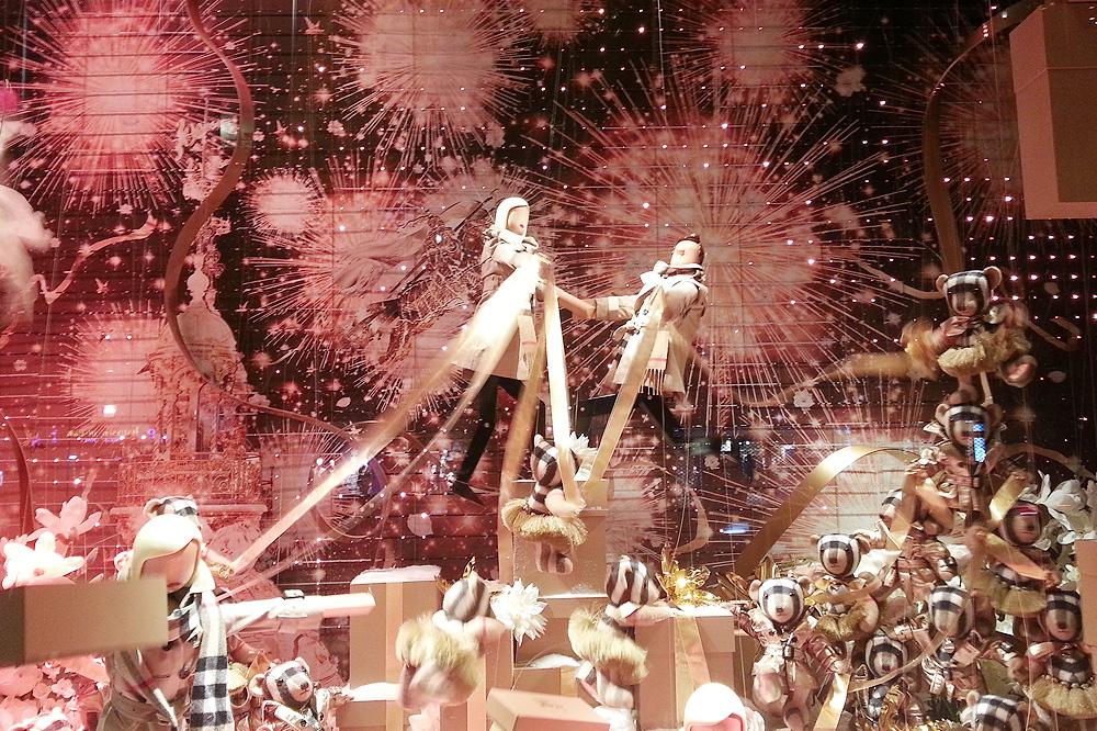 vitrine-grands-magasins-paris-noel-2015_le-mot-et-la-chose_07_le-printemps