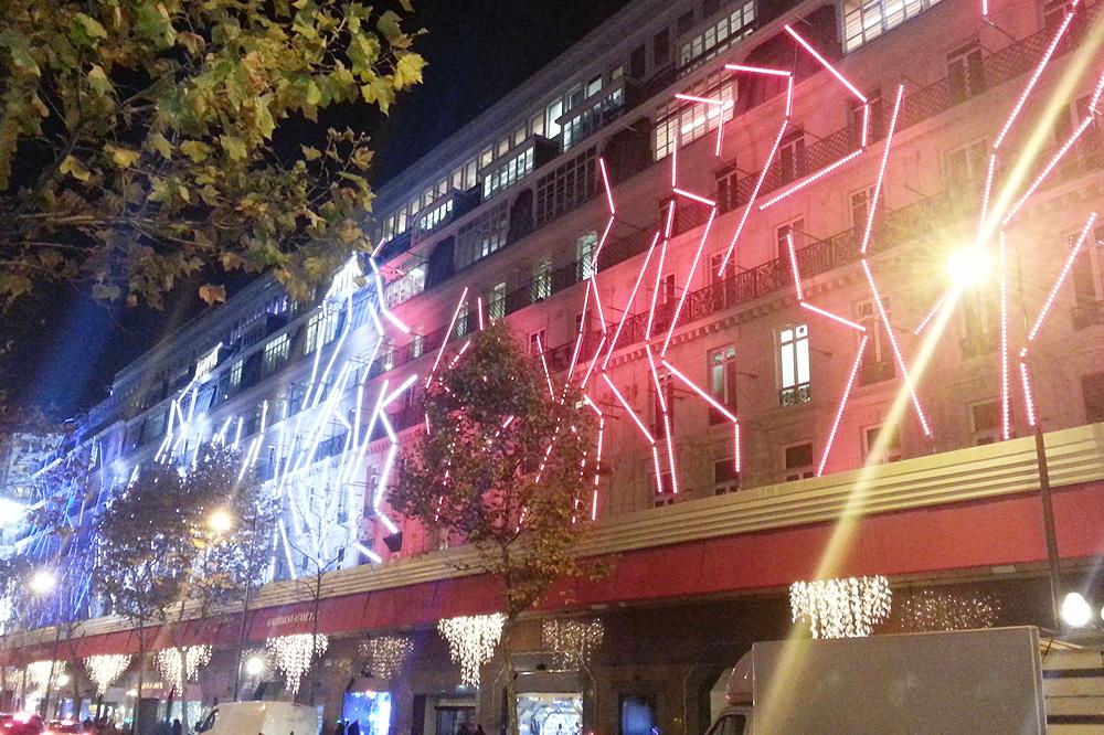 vitrine-grands-magasins-paris-noel-2015_le-mot-et-la-chose_34_galeries-lafayette_star-wars