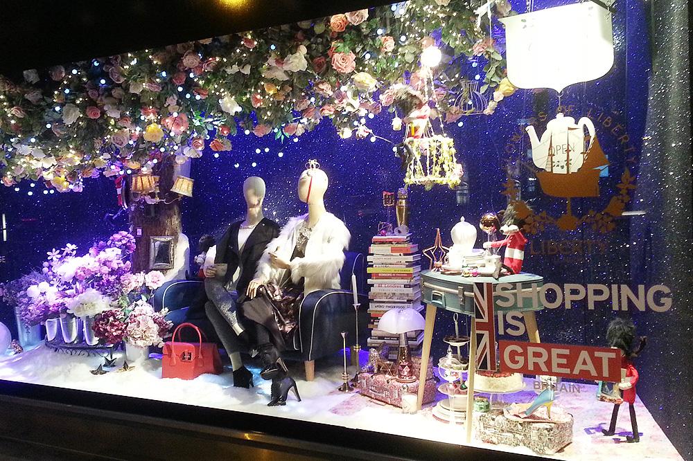 vitrine-grands-magasins-paris-noel-2015_le-mot-et-la-chose_39_bhv-le-marais