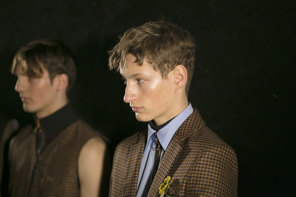 A_22-4_Backstage-Homme-fw1617-paris-fashion-week_le-Mot-la-Chose_Stephane-Chemin-photographe-freelance_06