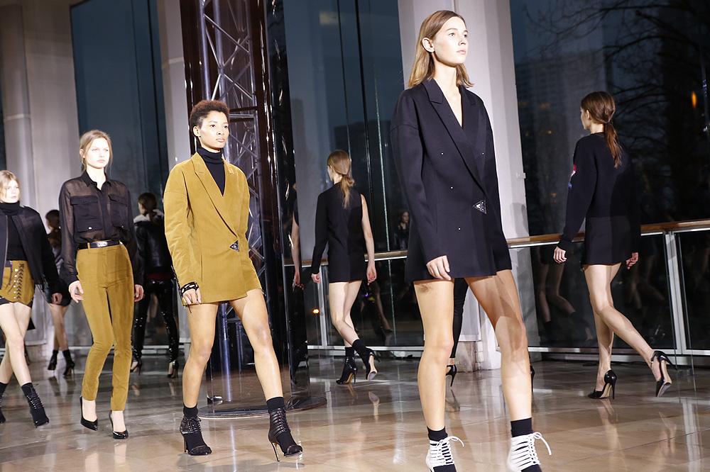 ANTHONY-VACCARELLO_womenswear-fw1617-paris-fashion-week_le-Mot-la-Chose_Stephane-Chemin-photographe-freelance_32