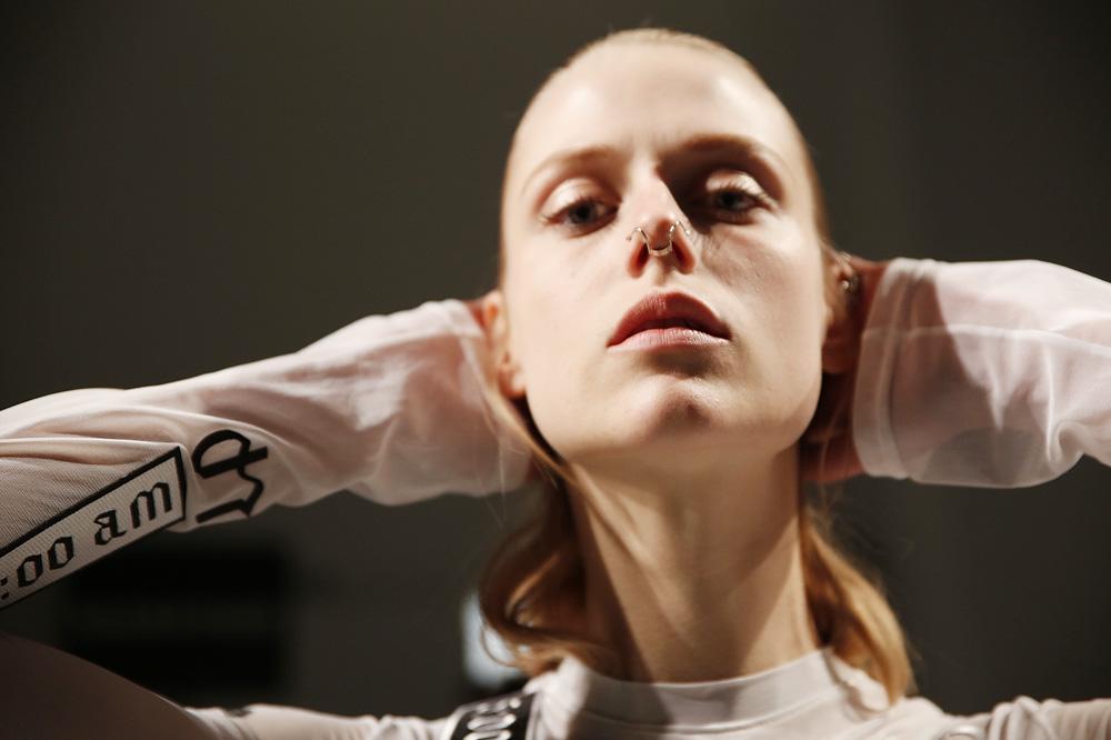 A_Lea-Peckre_BACKSTAGE_womenswear-fw1617-paris-fashion-week_le-Mot-la-Chose_Stephane-Chemin-photographe-freelance_05