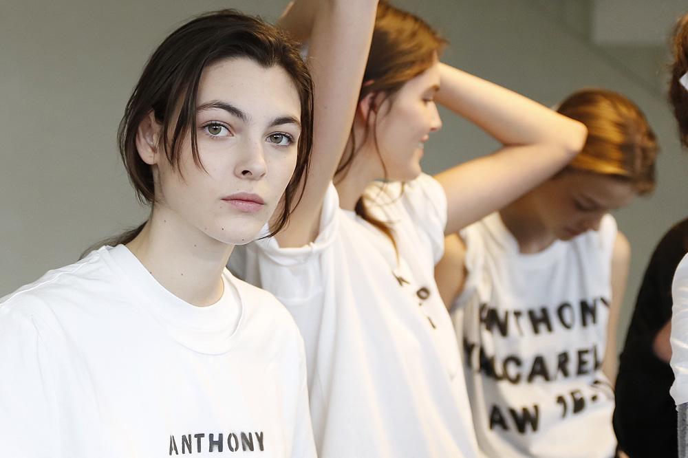 B_Anthonio-Vaccarelo_BACKSTAGE_womenswear-fw1617-paris-fashion-week_le-Mot-la-Chose_Stephane-Chemin-photographe-freelance_05