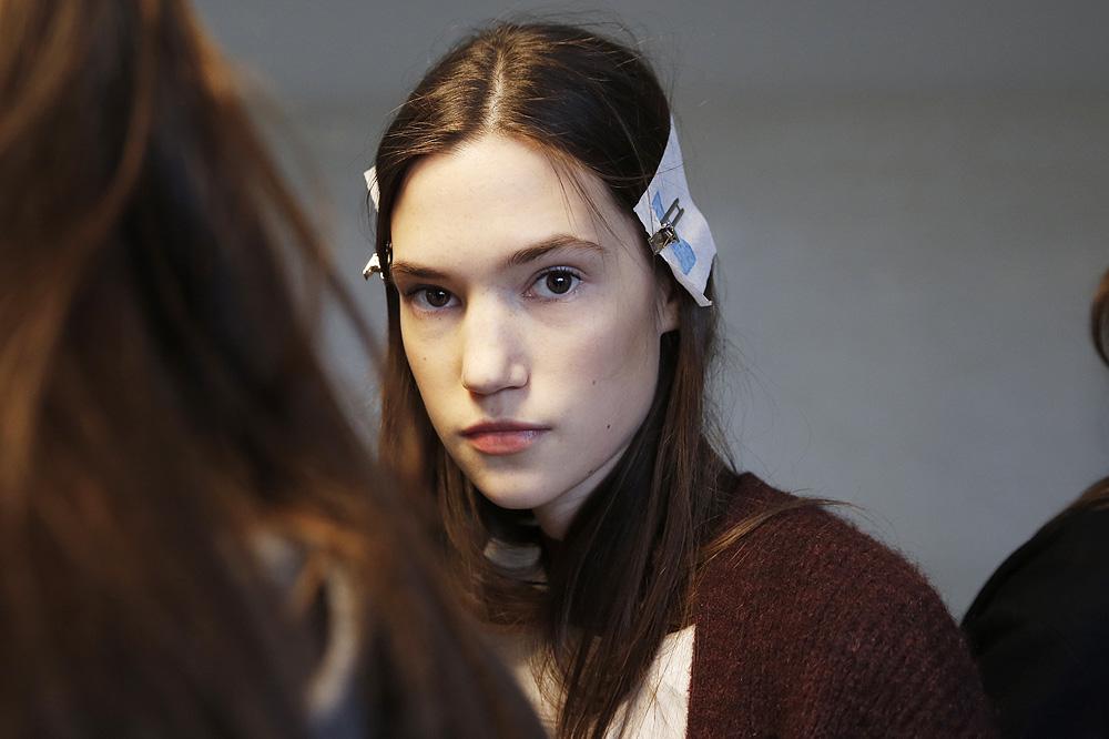 B_Anthonio-Vaccarelo_BACKSTAGE_womenswear-fw1617-paris-fashion-week_le-Mot-la-Chose_Stephane-Chemin-photographe-freelance_09