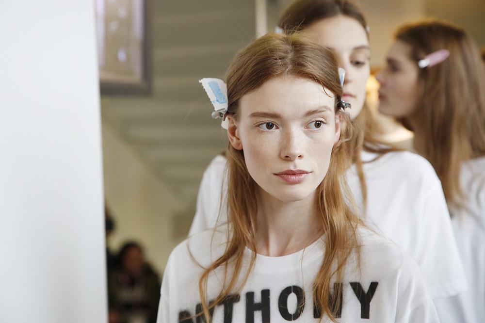 B_Anthonio-Vaccarelo_BACKSTAGE_womenswear-fw1617-paris-fashion-week_le-Mot-la-Chose_Stephane-Chemin-photographe-freelance_14