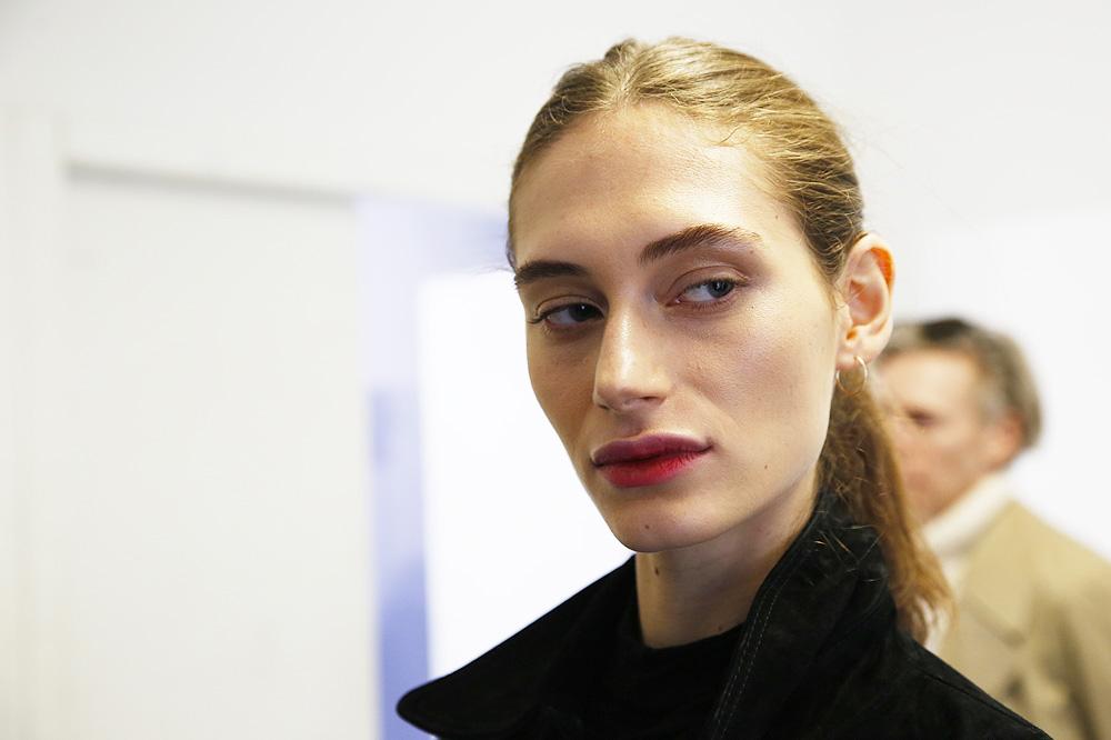 D_Guy-Laroche_BACKSTAGE_womenswear-fw1617-paris-fashion-week_le-Mot-la-Chose_Stephane-Chemin-photographe-freelance_05