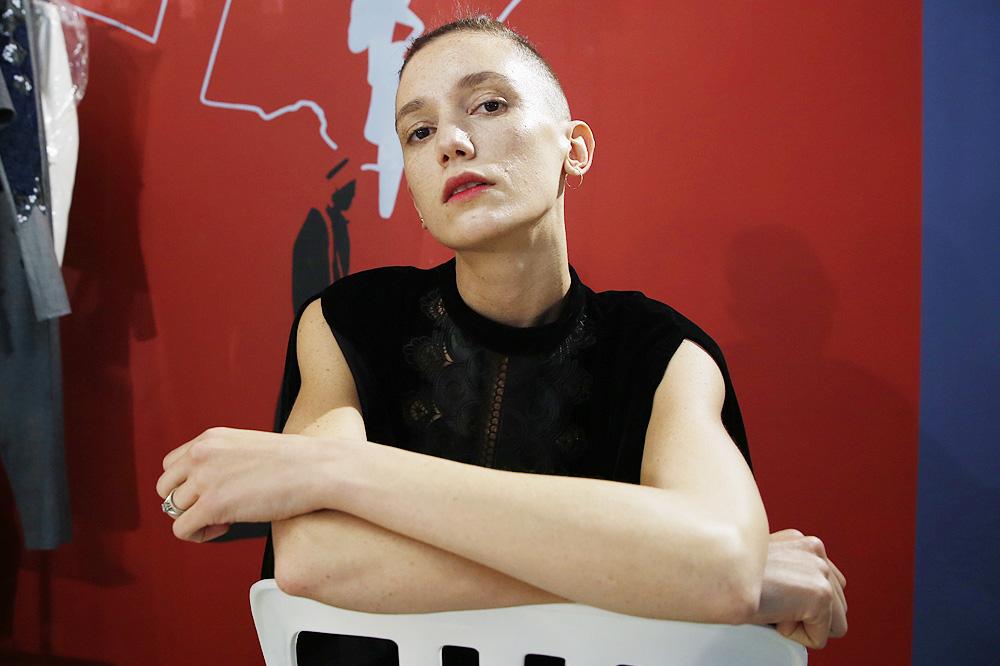 D_Guy-Laroche_BACKSTAGE_womenswear-fw1617-paris-fashion-week_le-Mot-la-Chose_Stephane-Chemin-photographe-freelance_09
