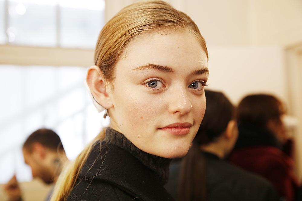 F_John-Galliano_BACKSTAGE_womenswear-fw1617-paris-fashion-week_le-Mot-la-Chose_Stephane-Chemin-photographe-freelance_01