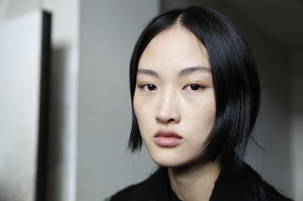 F_John-Galliano_BACKSTAGE_womenswear-fw1617-paris-fashion-week_le-Mot-la-Chose_Stephane-Chemin-photographe-freelance_06