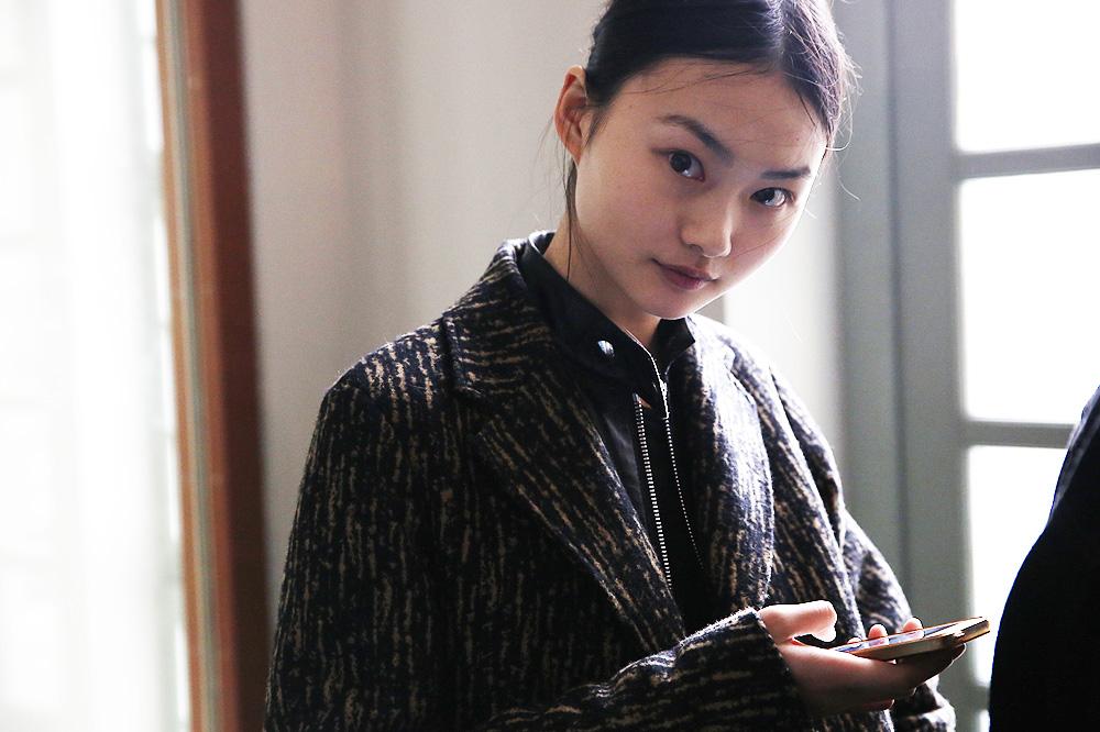 F_John-Galliano_BACKSTAGE_womenswear-fw1617-paris-fashion-week_le-Mot-la-Chose_Stephane-Chemin-photographe-freelance_07