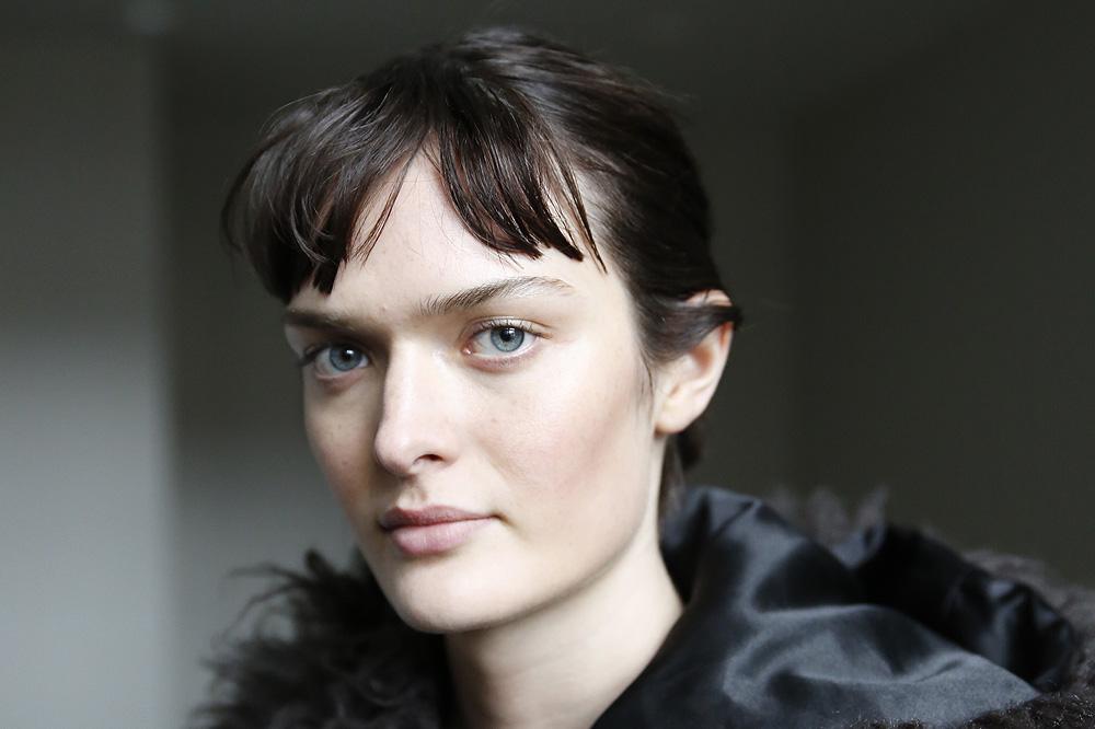 F_John-Galliano_BACKSTAGE_womenswear-fw1617-paris-fashion-week_le-Mot-la-Chose_Stephane-Chemin-photographe-freelance_10