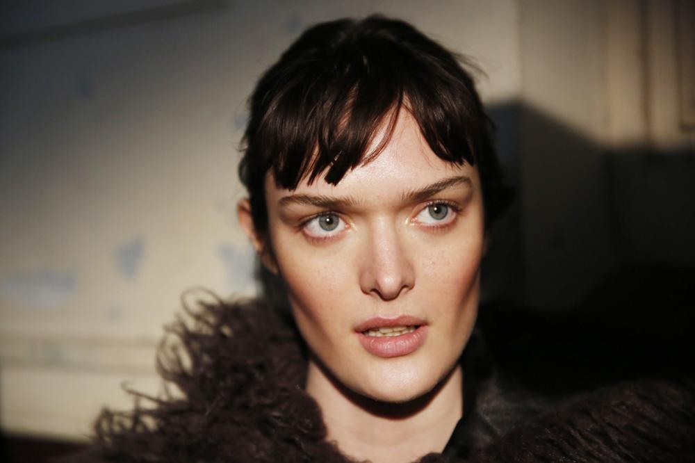 F_John-Galliano_BACKSTAGE_womenswear-fw1617-paris-fashion-week_le-Mot-la-Chose_Stephane-Chemin-photographe-freelance_11