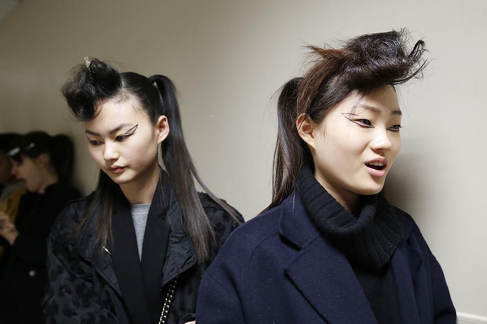 G_Kenzo_BACKSTAGE_womenswear-fw1617-paris-fashion-week_le-Mot-la-Chose_Stephane-Chemin-photographe-freelance_14