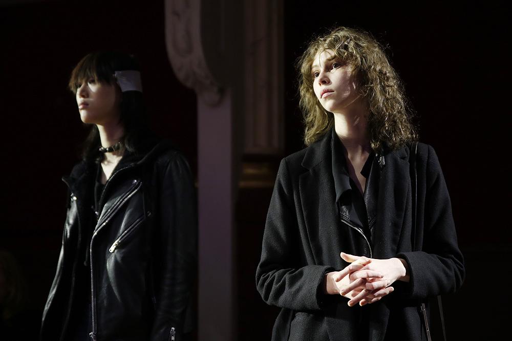 G_Kenzo_BACKSTAGE_womenswear-fw1617-paris-fashion-week_le-Mot-la-Chose_Stephane-Chemin-photographe-freelance_20