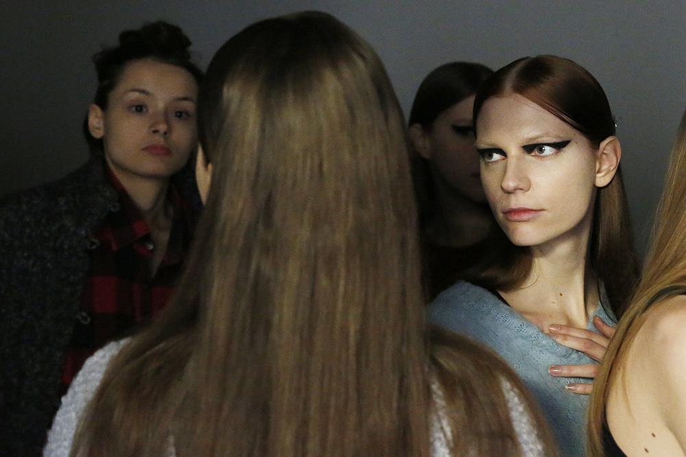 H_Yde_BACKSTAGE_womenswear-fw1617-paris-fashion-week_le-Mot-la-Chose_Stephane-Chemin-photographe-freelance_07