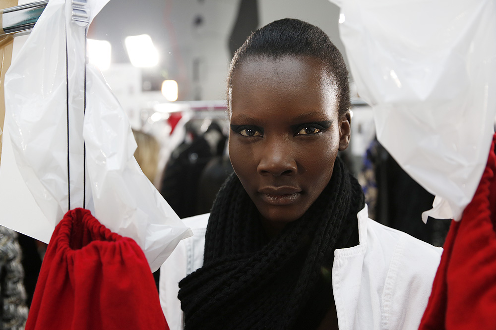 H_Yde_BACKSTAGE_womenswear-fw1617-paris-fashion-week_le-Mot-la-Chose_Stephane-Chemin-photographe-freelance_08