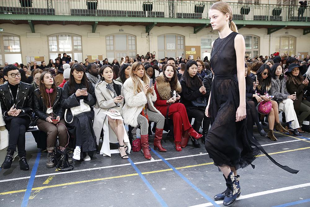 John-Galliano_womenswear-fw1617-paris-fashion-week_le-Mot-la-Chose_Stephane-Chemin-photographe-freelance_02