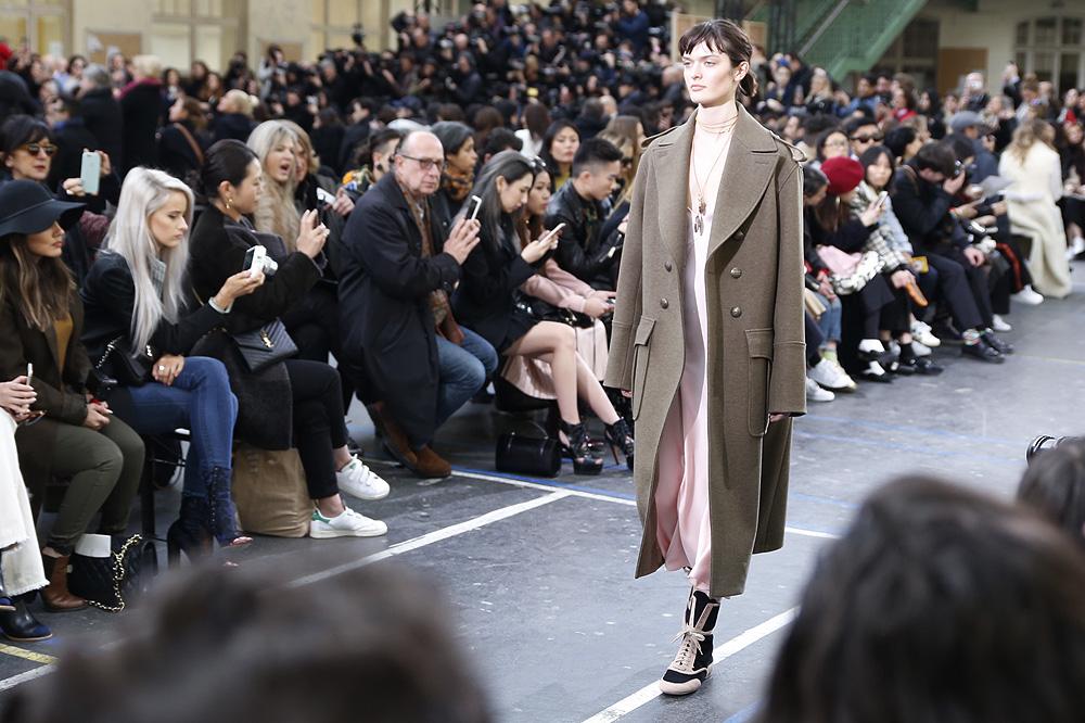 John-Galliano_womenswear-fw1617-paris-fashion-week_le-Mot-la-Chose_Stephane-Chemin-photographe-freelance_10