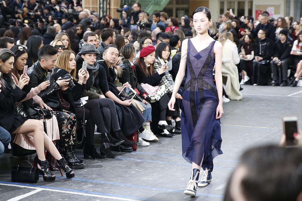 John-Galliano_womenswear-fw1617-paris-fashion-week_le-Mot-la-Chose_Stephane-Chemin-photographe-freelance_16