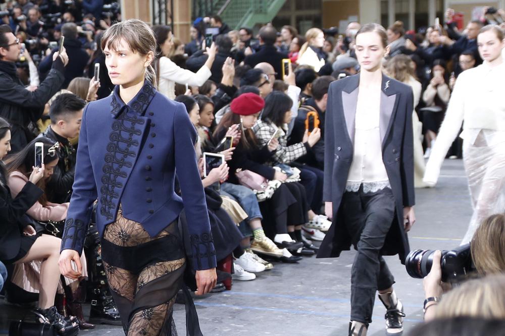 John-Galliano_womenswear-fw1617-paris-fashion-week_le-Mot-la-Chose_Stephane-Chemin-photographe-freelance_19