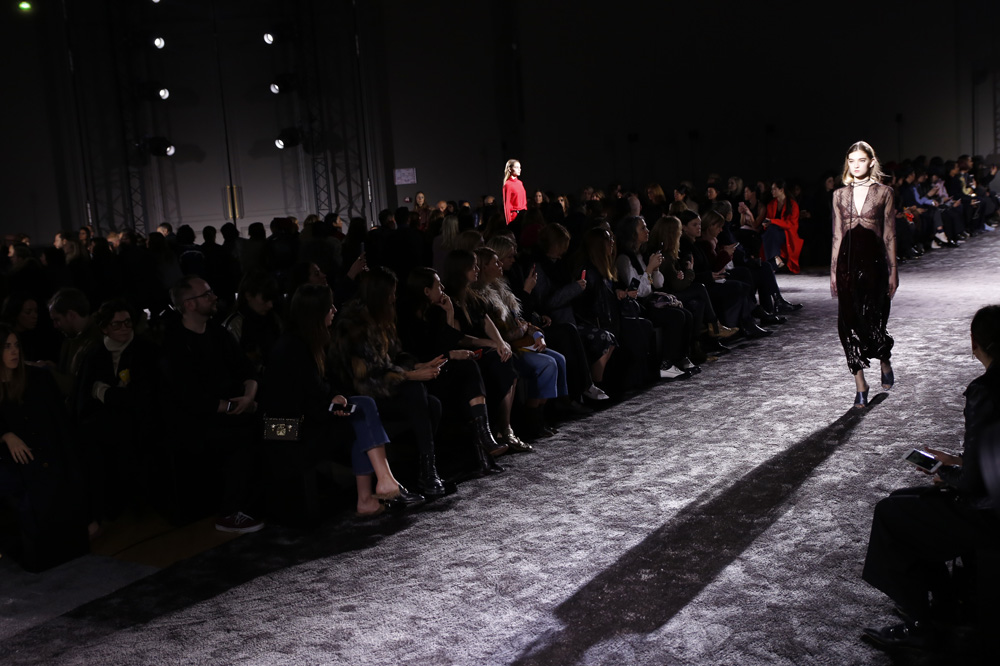 Nina-Ricci_womenswear-fw1617-paris-fashion-week_le-Mot-la-Chose_Stephane-Chemin-photographe-freelance_10