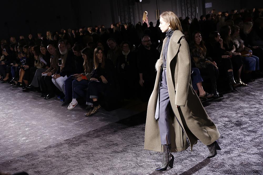 Nina-Ricci_womenswear-fw1617-paris-fashion-week_le-Mot-la-Chose_Stephane-Chemin-photographe-freelance_19