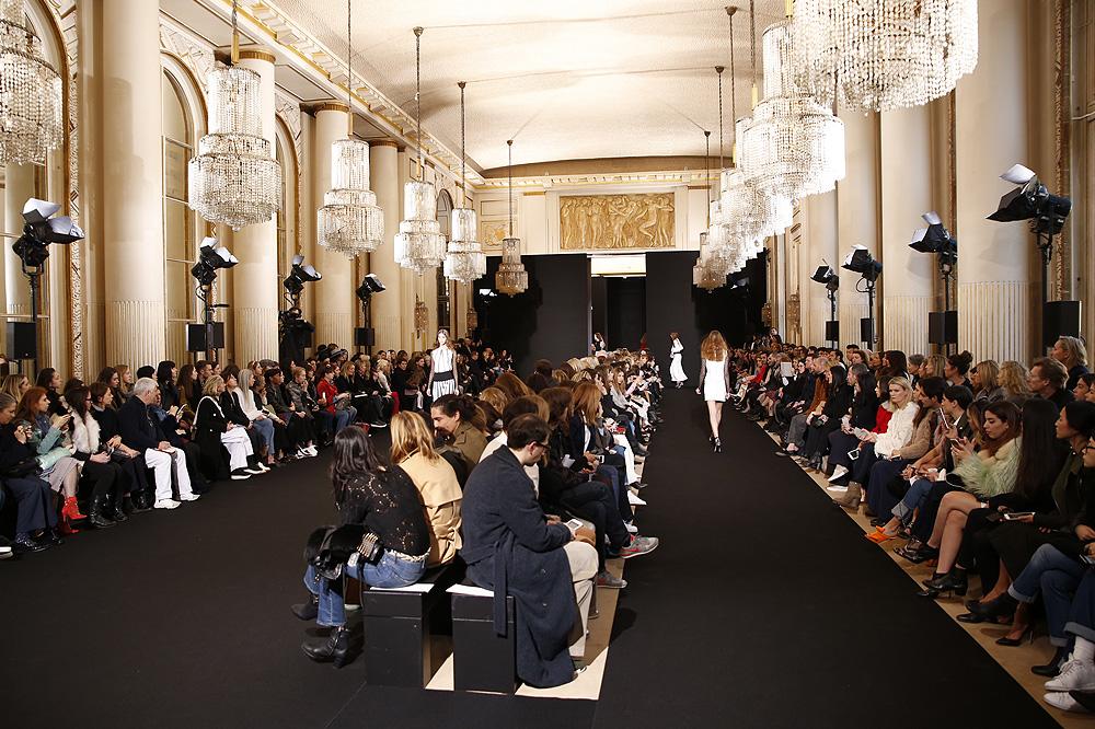 Roland-Mouret_womenswear-fw1617-paris-fashion-week_le-Mot-la-Chose_Stephane-Chemin-photographe-freelance_19