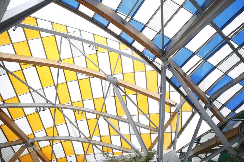 Daniel-Buren_l-observatoire-de-la-lumiere_fondation-louis-vuitton_le-mot-et-la-chose_stephane-chemin_11