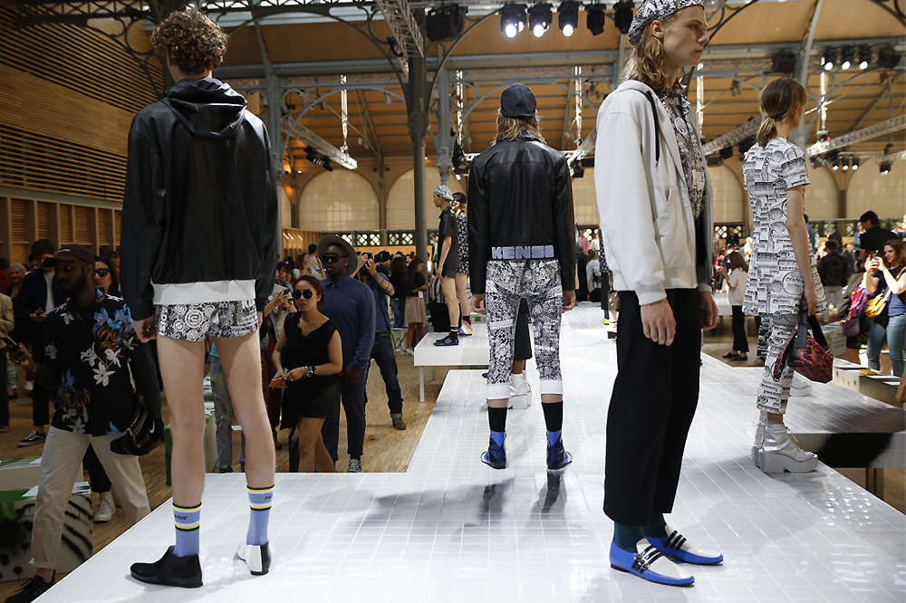kenzo_paris-fashion-week_menswear-ss17_le-mot-et-la-chose_copyright-stephane-chemin-photographe_42