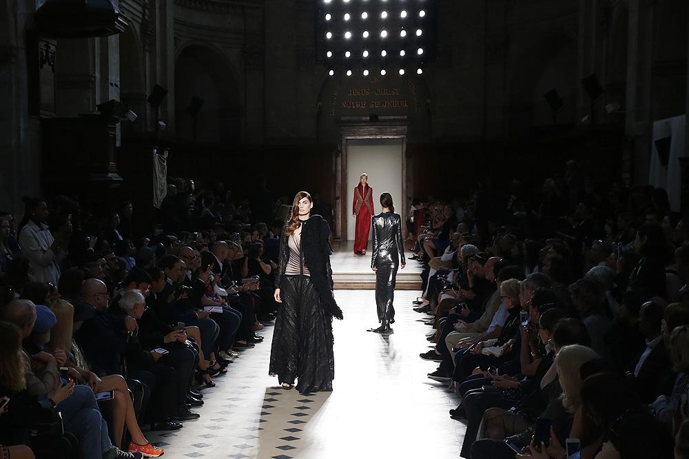 julien-fournie_Haute-couture-fw1617-paris-fashion-week_le-Mot-la-Chose_Stephane-Chemin-photographe-freelance_10