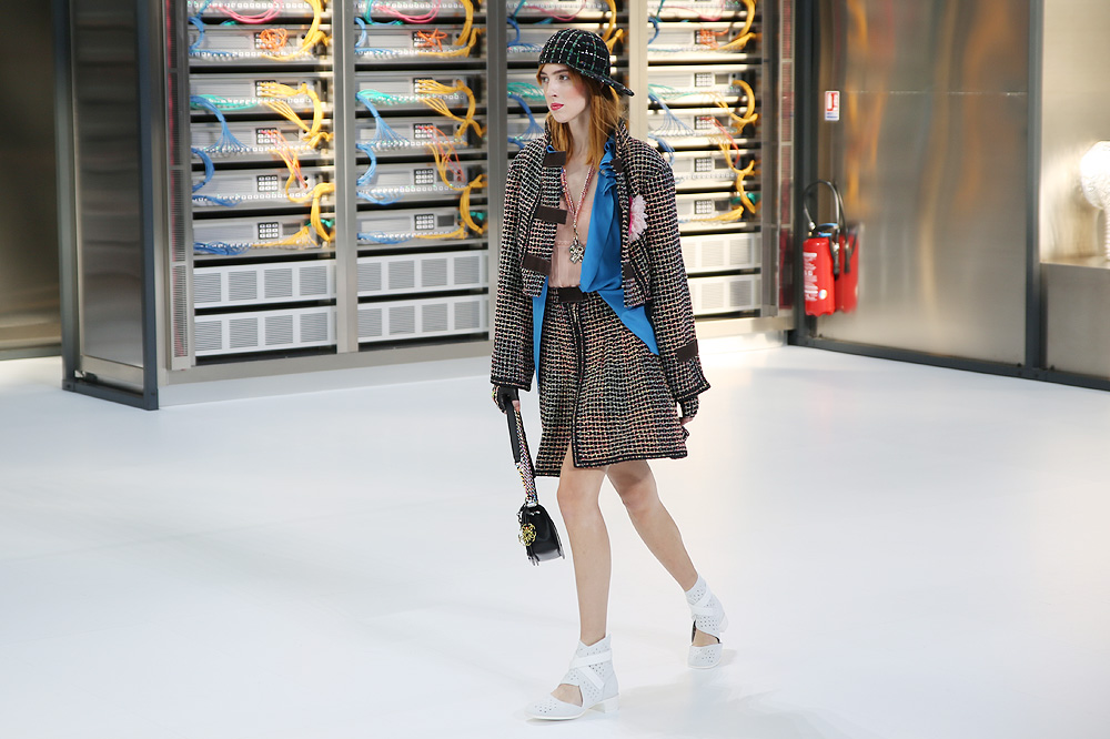 chanel_data-center-chanel_pfw-ss17_le-mot-et-la-chose_copyright-stephane-chemin_06