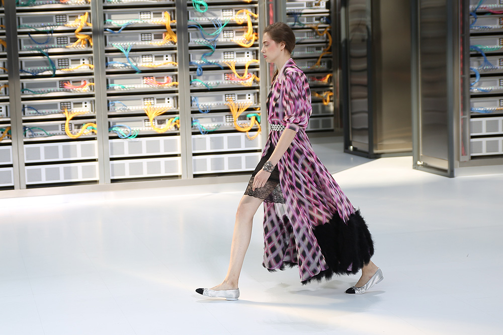 chanel_data-center-chanel_pfw-ss17_le-mot-et-la-chose_copyright-stephane-chemin_21