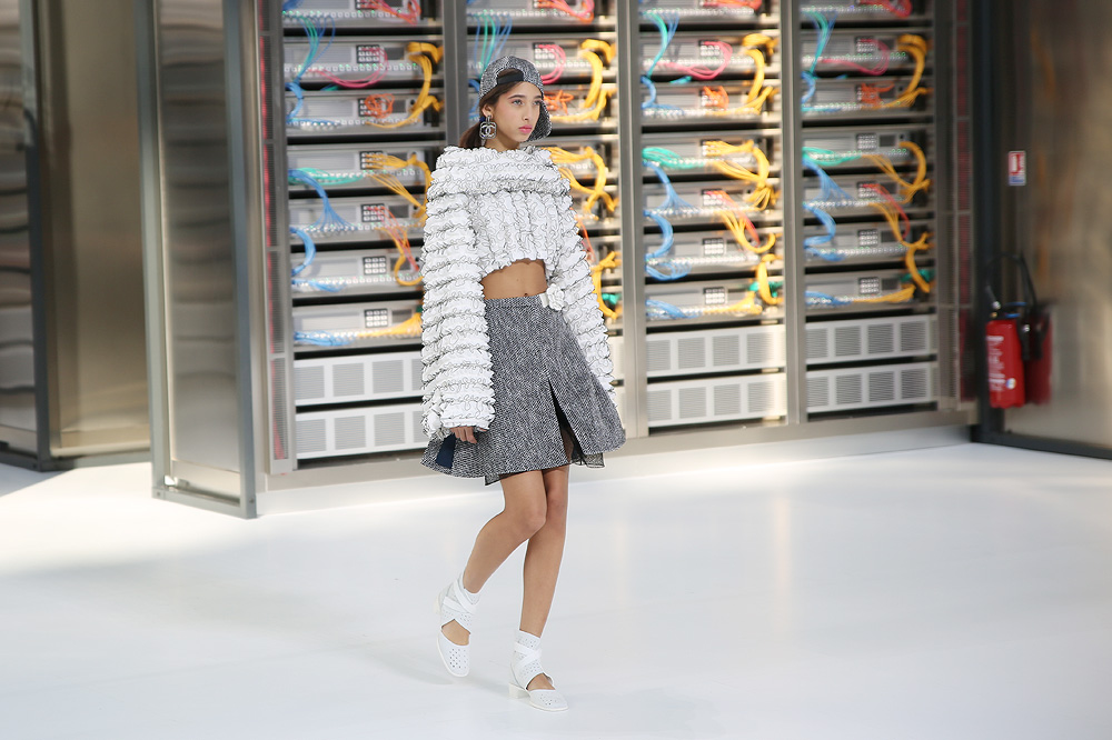 chanel_data-center-chanel_pfw-ss17_le-mot-et-la-chose_copyright-stephane-chemin_29