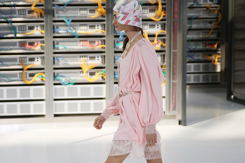 chanel_data-center-chanel_pfw-ss17_le-mot-et-la-chose_copyright-stephane-chemin_42