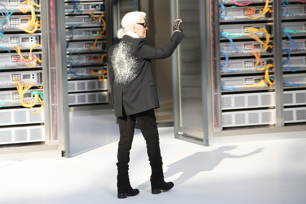 chanel_data-center-chanel_pfw-ss17_le-mot-et-la-chose_copyright-stephane-chemin_52